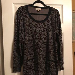 Sweaters - Gray cheetah print sweater